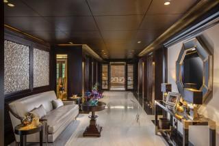 the retreat new delhi hallway