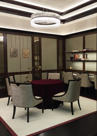 casa forma vault luxury interior design table and chairs