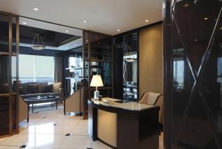 casa forma dubai office sheikh zayed road luxury writing desk