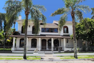 Colonial Mansion, Brazil slide thumb 2