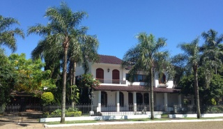 casa forma colonial mansion brazil front view of house