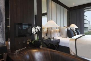 casa forma tower bridge luxury interior design bedroom
